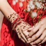 Un bracelet porte-bonheur pour couple: un cadeau symbolique et mémorable!