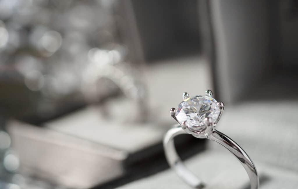 7 modèles de bagues diamants qui font la différence