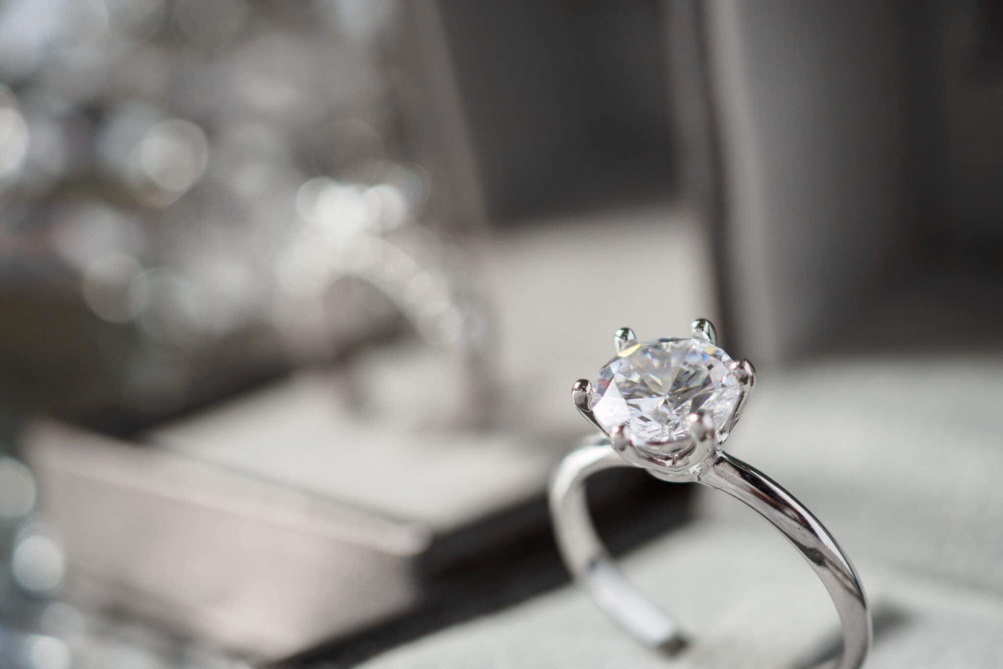 Bagues diamant de fiançailles